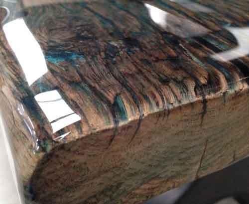 ציפוי אפוקסי קריסטלי לעץ